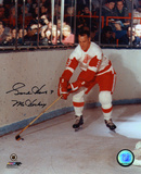 Gordie Howe Detroit Red Wings with Mr Hockey 9  Autographed Photo (Hand Signed Collectable)