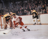 Gordie Howe Detroit Red Wings - Vs Bruins   with Mr Hockey Inscription