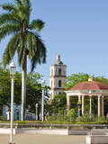 Plaza Mayor in Remedios  Cuba  West Indies  Central America