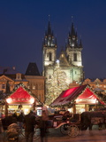 Horse Drawn Carriage at Christmas Market and Gothic Tyn Church at Twilight  Old Town Square  Prague
