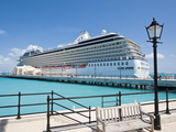 Cruise Terminal in the Royal Naval Dockyard  Bermuda  Central America
