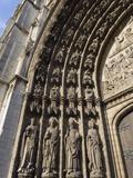 Sculpture Detail on Onze Lieve Vrouwekathedraal  Antwerp  Flanders  Belgium  Europe