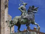 Statue of Francisco Pizarro  Plaza Mayor  Trujillo  Extremadura  Spain  Europe