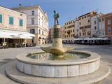 Attractive Fountain in Trg Marsala Tita  Rovinj (Rovigno)  Istria  Croatia  Europe