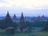Buddhist Temples at Dawn  Bagan (Pagan) Archaeological Site  Mandalay Division  Myanmar (Burma)