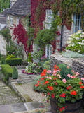 Cottage on Chipping Steps  Tetbury Town  Gloucestershire  Cotswolds  England  United Kingdom