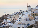 Village of Oia  Santorini (Thira)  Cyclades Islands  Aegean Sea  Greek Islands  Greece  Europe