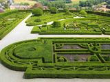 Patterned Garden of the Castle Grounds  Chateau De Hautefort  Dordogne Valley  Aquitaine  France