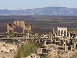 Triumph Arch in Roman Ruins  Volubilis  UNESCO World Heritage Site  Morocco  North Africa  Africa