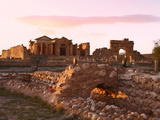 View to Forum and Capitol at the Roman Ruins of Sbeitla  Tunisia  North Africa  Africa