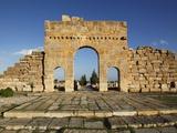 Arch of Antoninus Pius  Roman Ruins of Sbeitla  Tunisia  North Africa  Africa