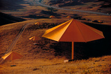 Umbrellas Yellow, c.1984-1991 Reproduction pour collectionneurs par Christo