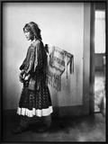 Apache Woman  C1902
