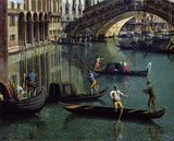 Gondoliers near the Rialto Bridge