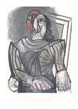 Femme Assise a la Robe Grise
