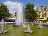 Fountain in Knyaz Alexander Battenberg Square (King Alexander Battenberg Square) (City Hall Square)