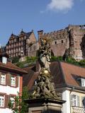 View from Kornmarkt to Castle  Heidelberg  Baden-Wurttemberg  Germany  Europe