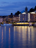 Promenade and Lake at Dusk  Bellagio  Lake Como  Lombardy  Italian Lakes  Italy  Europe