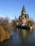 River Mosel and Temple Neuf  Metz  Lorraine  France  Europe