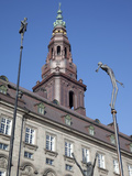 Christiansborg Palace and Statues  Copenhagen  Denmark  Scandinavia  Europe