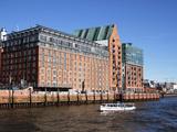 River Elbe and Buildings at Grovue Elbstravue  Hamburg  Germany  Europe