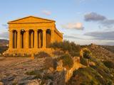 Tempio Di Concordia (Concord) at Sunset  Valle Dei Templi  UNESCO World Heritage Site  Agrigento  S