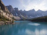 Moraine Lake  Banff National Park  UNESCO World Heritage Site  Alberta  Rocky Mountains  Canada  No