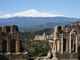 The Greek Amphitheatre and Mount Etna  Taormina  Sicily  Italy  Europe