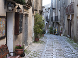 View Down Narrow Cobbled Street  Erice  Sicily  Italy  Europe