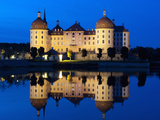 Baroque Moritzburg Castle and Reflections in Lake at Twilight  Moritzburg  Sachsen  Germany  Europe