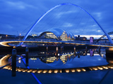 Gateshead Millennium Bridge  the Sage and the River Tyne Between Newcastle and Gateshead  at Dusk