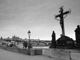Dawn View of Charles Bridge and Prague Castle  Prague  Czech Republic