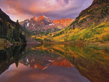 Maroon Bells Reflected on Maroon Lake at Sunrise  White River National Forest  Colorado  USA