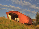 Holliwell Covered Bridge Spans Middle River  Built in 1880  Madison County  Iowa  Usa