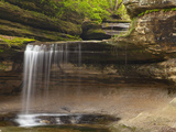 Waterfalls in Lasalle Canyon in Starved Rock State Park  Illinois  Usa