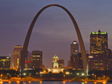 The Gateway Arch and St Louis Skyline Reflect into the Mississippi River  St Louis  Missouri  Usa