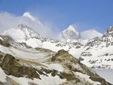 Snowy Allardyce Range with Glaciers  Rocky Ridges  and Snow Fields