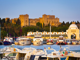 Palace of the Grand Masters and Mandraki Harbour  Rhodes Town  Rhodes  Greece