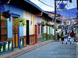 Guatape, Colombia, Outside of Medellin, Small Town known for its 'Zocalos' Panels of Three Dimensio Papier Photo par John Coletti