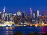 USA  New York  Manhattan  Midtown Skyline with the Empitre State Building across the Hudson River