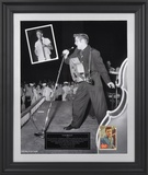"Elvis Presley ""1956"" limited edition framed presentation with 1956 trading card"