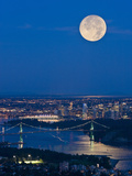 Full Moonrise over Vancouver  British Columbia  Canada