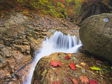 Stream Flowing Along the Trail to Daecheon Peak in the Fall  Seoraksan National Park  South Korea