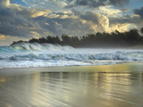 Large Waves Breaking over Haena Beach  Kauai  Hawaii  USA