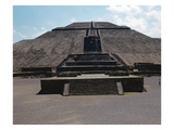 Temple of the Sun and Sacrificial Altar (Photo)