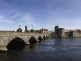 The Thormond Bridge and King John&#39;s Castle  River Shannon  Limerick City  Ireland