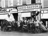 WWII Europe Germany People Broadcasting War News