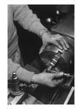 Hands of Lathe Worker Reproduction d'art par Ansel Adams
