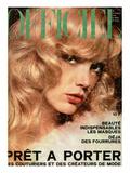 L'Officiel  1974 - Eventail de Chloé Qu'Accompagne une Robe en Jersey Blanc