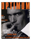 L&#39;Optimum  November 1998 - Antonio Banderas Porte une Veste de Smoking et une Chemise Gucci